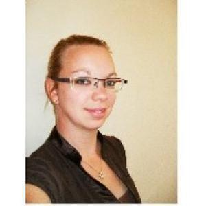 JESSICA, 32 ans donne des cours de piano