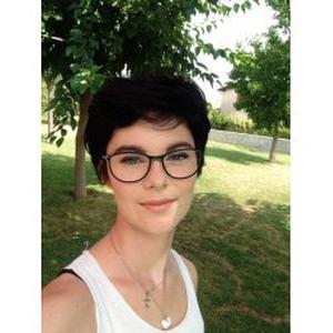 Maxine, 16 ans, située à Fronton, en terminale littéraire
