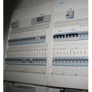 Electricien et autres prestations dans l'ouest du Val d'Oise près de Cergy-Pontoise