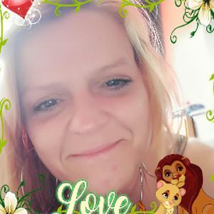 Isabelle, 44 ans propose des services ménagers