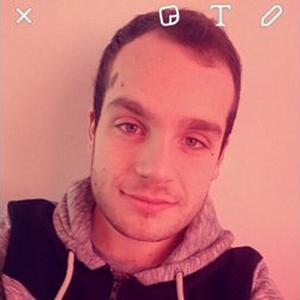Adrian, 20 ans aide aux personnes âgées