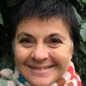 Laurence, 54 ans donne des cours de russe