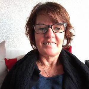 Dominique, 54 ans cherche des enfants à garder