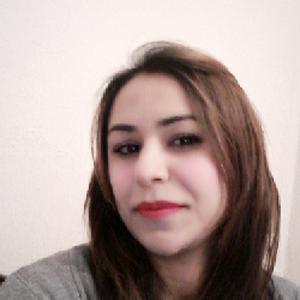 Enseignante donne des cours d'arabe et de français