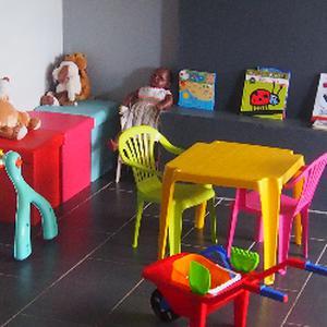 Assistante maternelle à Berive