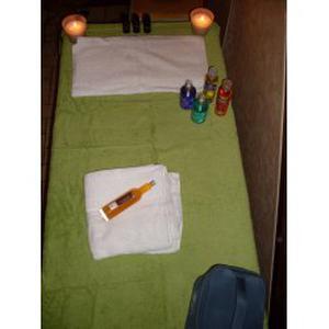 Massage et détente à domicile .