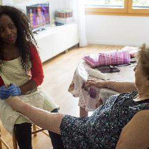 Recherche d'emploi en tant qu'aide soignante/auxiliaire de vie à domicile et également du baby-sitting