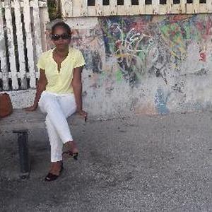 Garde d'enfants  à Saint-Pierre