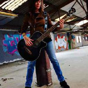 Donne cours de guitare et basse