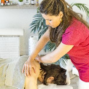 Emilie LEWIS - Massage à Antibes