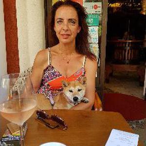 Je souhaiterais promener un ou deux chiens à Nice