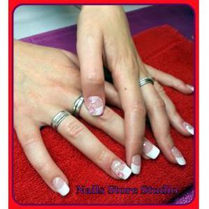 Pose d'ongles / Beauté des mains / Soins des pieds