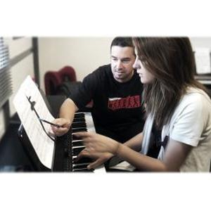 Cours de piano à la Garde